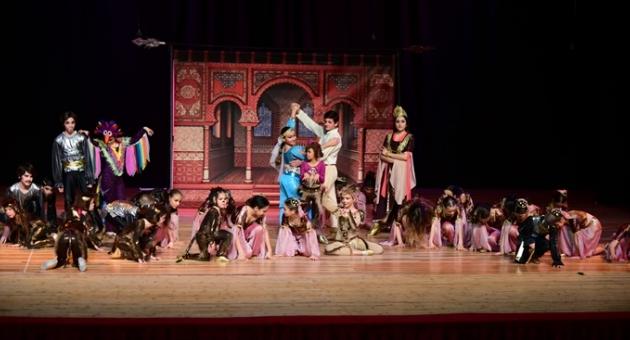 ''Aladdin'in Lambası'' sahnede büyük beğeni topladı.