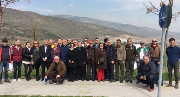 Karşıyaka Birliği Hatıra Ormanı'nın ilk fidanları dikildi