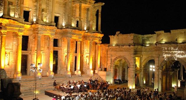 Festivaller kenti İzmir