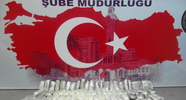 İzmir'de zehir tacirlerine büyük darbe