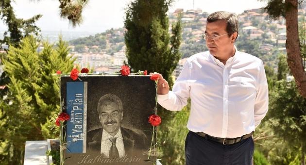 Gazeteci Fevzi Yılmaz Narlıdere'de Anıldı