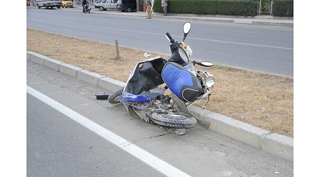 Panelvan minibüs elektrikli bisiklete çarptı: 1 ölü