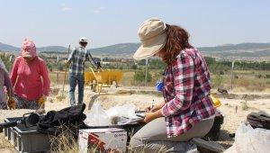 Denizli'deki kazı çalışmalarında 8 bin 600 yıllık bulgular elde edildi