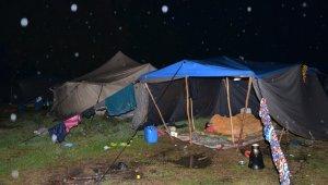 Mevsimlik işçiler yağmur mağduru oldu