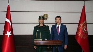 Milli Savunma Bakanı Canikli, İran Genelkurmay Başkanı Bagheri ile görüştü