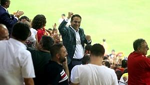 Bornova Stadı İzmir'in futbol mabedi oldu