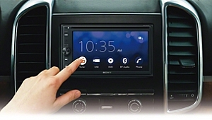 Hem Apple CarPlay* hem de Android Auto™** desteği
