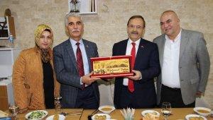 Başkan Şahin Bafra'nın misafirperverliğini gösterdi
