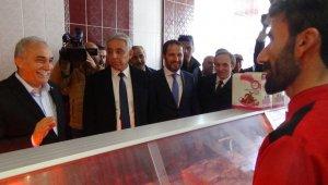Bakan Fakıbaba, Hakkari esnafını ziyaret etti