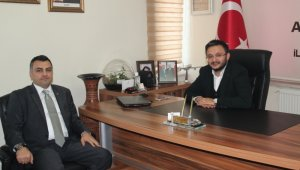 Eczacılar Odası Başkanı Dörtkol, AK Parti İl Başkanı Yanar'ı ziyaret etti