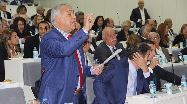 İzmir'de otoparklara zam tartışması