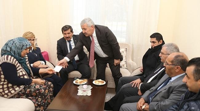 Görev Şehidi Yüksel Demir'in Ailesine Sendikadan 25 Bin TL Destek