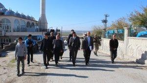 Samsat Kaymakam Vekili Sedat Sezik köylerde incelemelerde bulundu