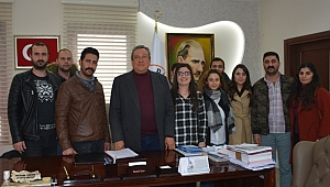 CHP Dikili İlçe Gençlik Kolları yönetiminden Başkan Tosun'a ziyaret