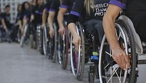 Tekerlekli sandalyede dans tüm engelleri aşıyor