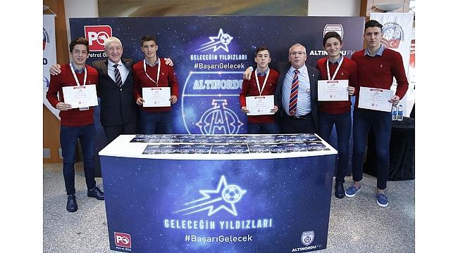 Türkiye'nin yıldızlarının adları gökyüzüne yazıldı