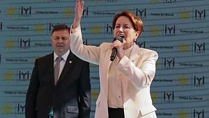 Akşener, partisinin İzmir İl Başkanlığı binasının açılış törenine katıldı
