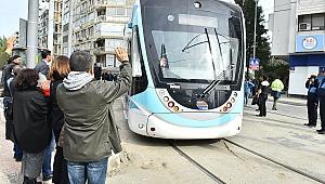 """Konak'ta """"tramvay"""" heyecanı"""