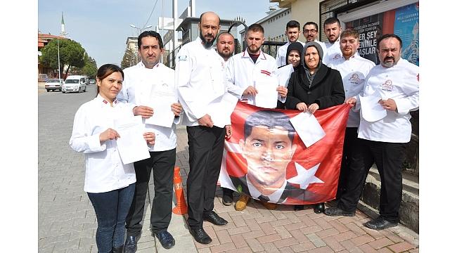 Mehmetçiğe bir destek de Uşaklı aşçı ve pastacılardan