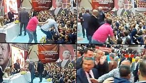 AK Parti Bayraklı Kongresi'nde arbede
