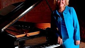 Aras Deniz Sipahi Piyano Atölyesi'nin Konuğu Gülsin Onay