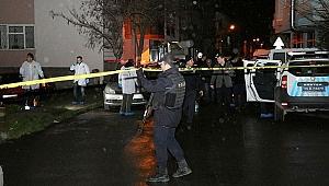 İzmir'de polise bıçaklı saldırı