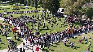 Bayram dediğin İzmir'de kutlanır