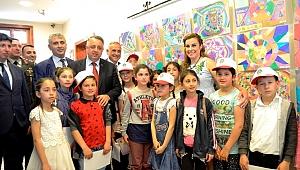 Çocuk Ressamlar Resim Sergisi Açtı