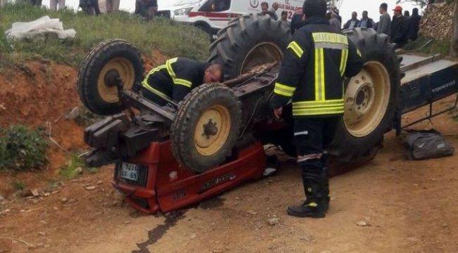 Feci kaza! Traktör ters döndü