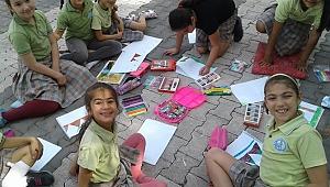 Büyükçiğli İlkokulu Öğrencileri Derslerini Bahçede Yaptılar