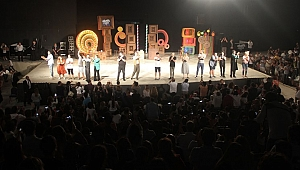 Güldür Güldür Show İzmir'i salladı