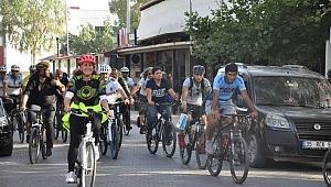 Ege'de Renkli Bisiklet Turu