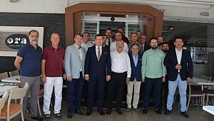 Nasır, MÜSİAD İzmir Şubesini ziyaret etti