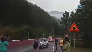 Otobüs devrildi: 15 ölü