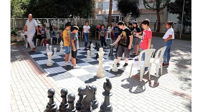 Bayraklı'da 'Sokakta satranç'