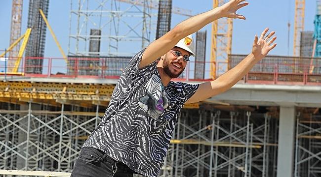 Göztepe'nin yenileri stadyum inşaatını gezdi