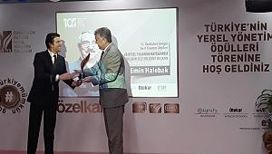 İzmir Büyükşehir Belediyesi, 'Kent İçi Ulaşım Ödülü'nü Otokar'dan Aldı