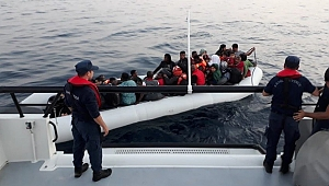 İzmir'de 52 göçmen yakalandı