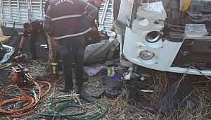 İzmir'de Trafik Kazası :1 ölü