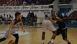 Petkim Spor, evinde Manisa Büyükşehir Belediyesi'ne mağlup oldu.