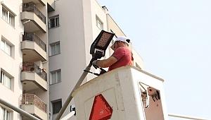 Bayraklı'nın parklarında enerji tasarrufu