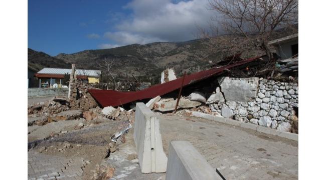 Köylüler evlerini boşaltılıyor