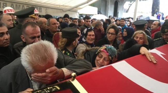 Şehit yüzbaşıya İzmir'den hüzünlü veda