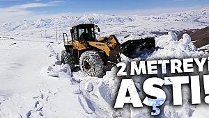Kar kalınlığı 2 metreyi aştı!