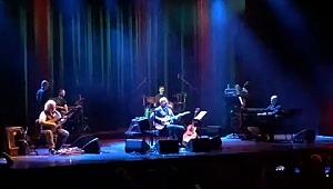 Bülent Ortaçgil'den Müzik Ziyafeti