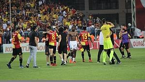 Alkışlar Göztepe'ye