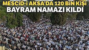 Mescid-i Aksa'da 120 bin kişilik bayram namazı