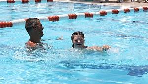 Selin'in Yeni Hedefi Yüzme Şampiyonluğu