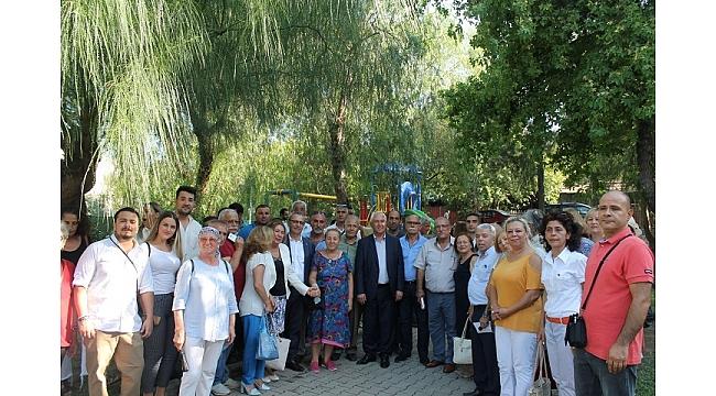 CHP Karabağlar'da kitlesel bayramlaşma