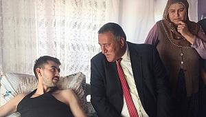 Gürer, Şehit aileleri ve gazileri ziyaret etti.